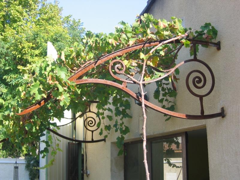 Tonnelle en fer forg avignon n mes uz s sorgues orange 30 84 gard vaucluse - Tonnelle murale fer forge ...